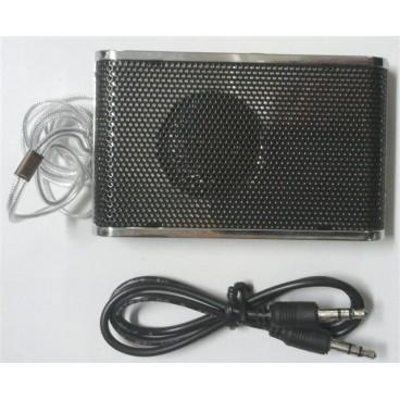 Compacte luidspreker met FM radio – SD kaart ingang – oplaadbaar